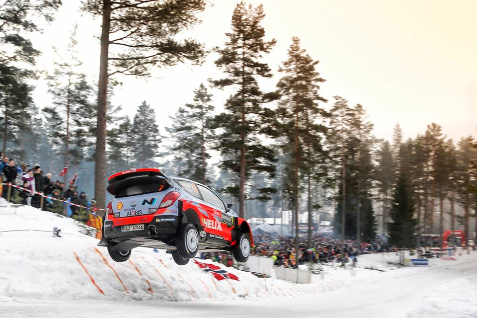 Raliul Suediei 2015 – Mikkelsen trece in frunte dupa problemele lui Ogier si Latvala
