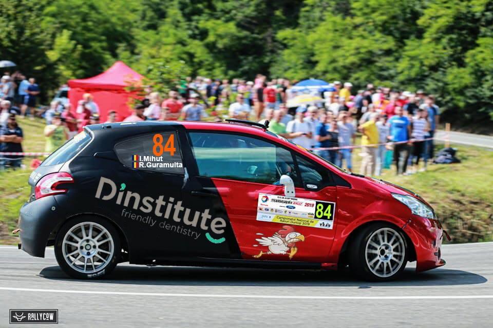 Ioan Mihut si Radu Guramulta la startul Transilvania Rally cu un model R2